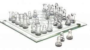 Studio Silversmiths' Chess Game Set Fine Glass (8 x 8)