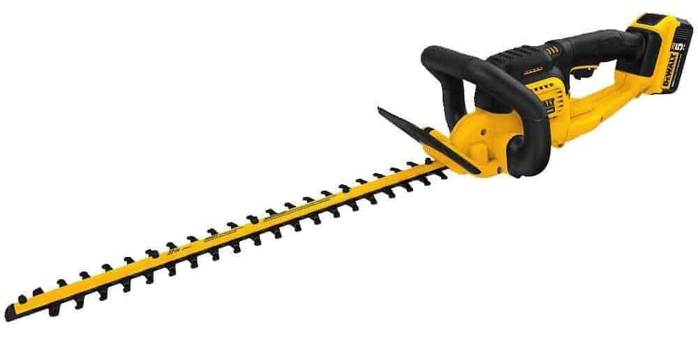 DEWALT DCHT820P1 20 V Max Hedge Trimmer with 5AH Pack