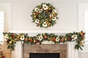 Cream : Gold 9' Pre-Lit Decorated Garland