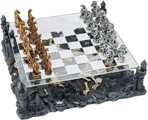 CHC Dragon Chess Set